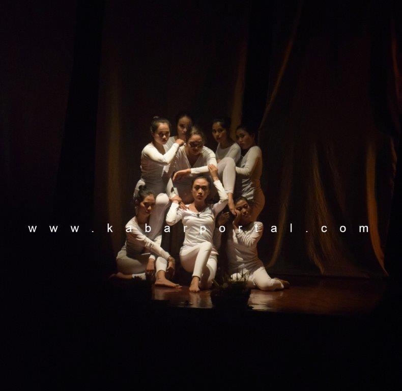 Teater Mahima saat pementasan di Bali Mandara mahalango [24/7]. foto by KP21