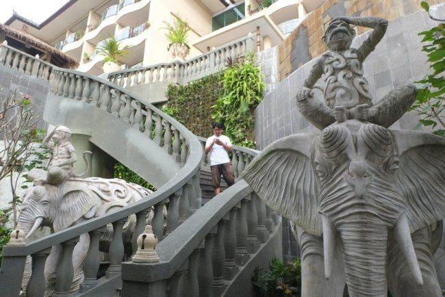 SereS Springs Resort & Spa Ubud/ Fasilitas Kolam Renang Bagian paling bawah dekat Sungai/ Kabarportal